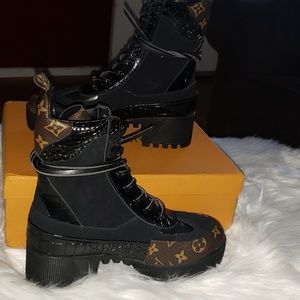 High quality LV boots
